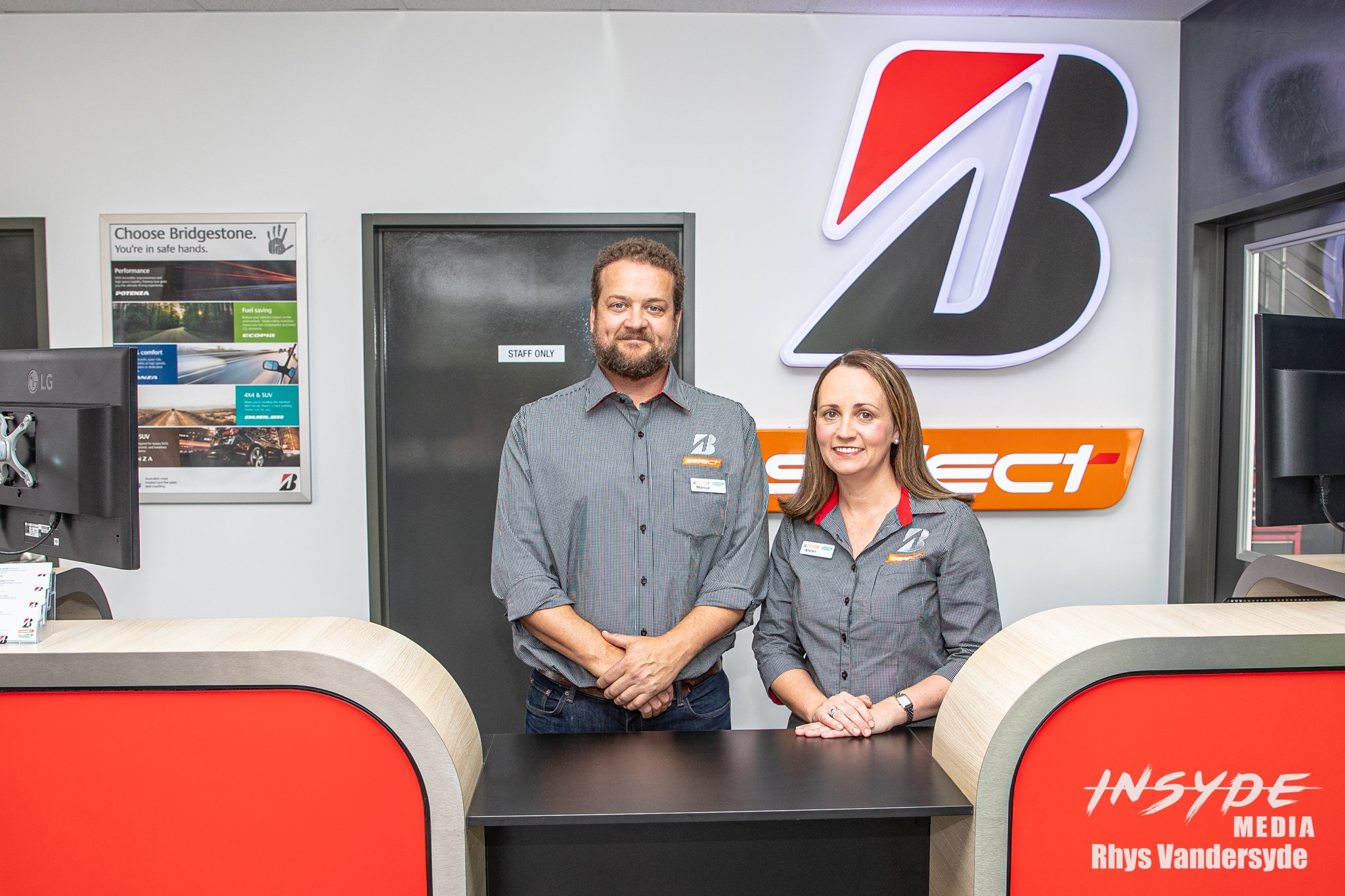 Bridgestone - B-Select Stores